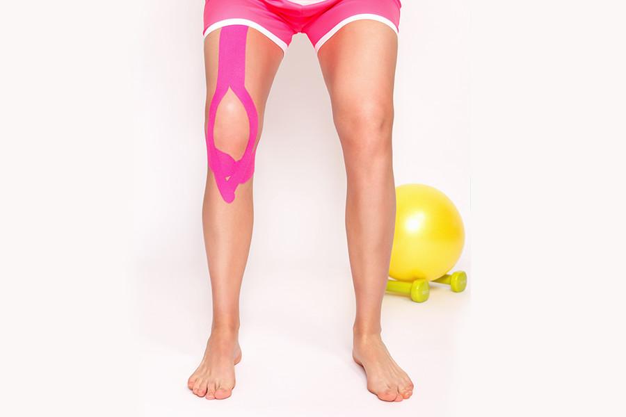 knee-brace-woman
